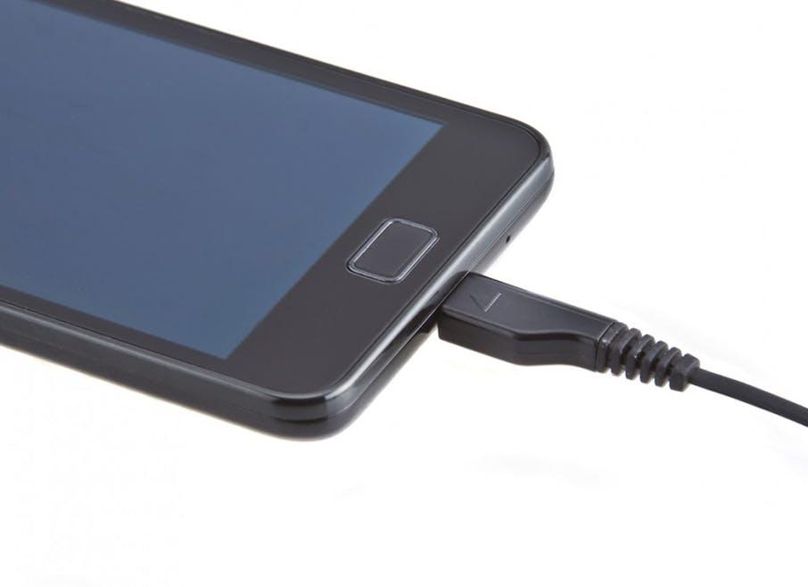Mettez à charger les téléphones portables hors des chambres