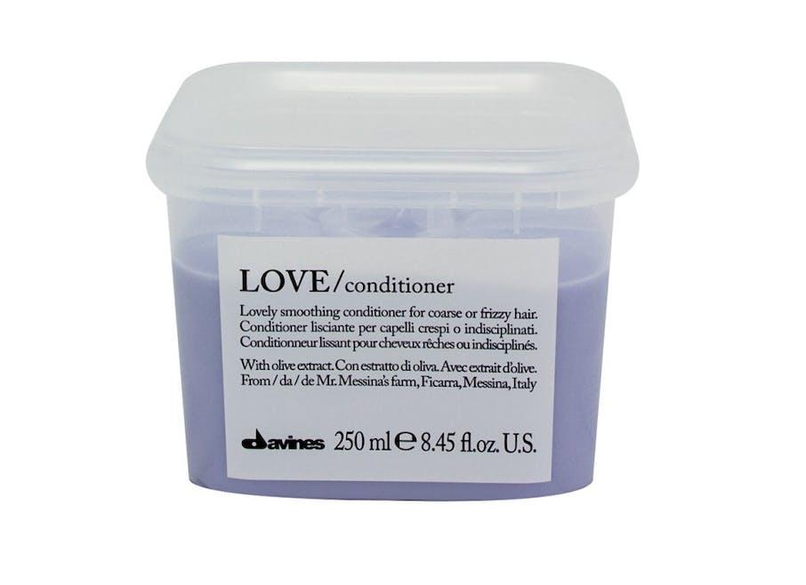 Davines Love Conditionneur lissant pour cheveux rêches ou indisciplinés