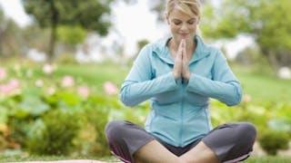 Yoga: trois exercices pour faire baisser la pression