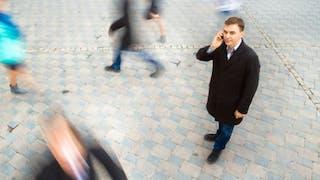 Ondes: faut-il avoir peur des téléphones portables?