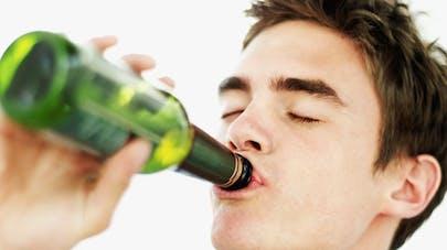 Alcoolisme: la vie noyée dans un verre