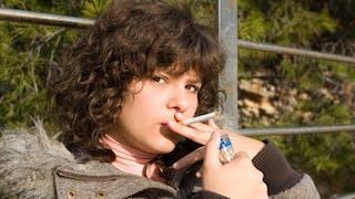Tabac: l'interdiction de vente aux mineurs est-elle efficace?