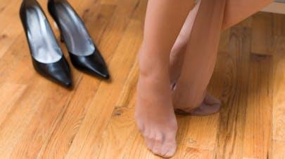 Bas de contention: dites adieu aux jambes lourdes!