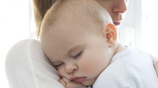 Les bons gestes quand bébé a de la fièvre