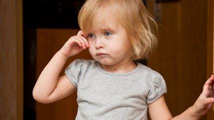 Mon enfant a mal à la tête… Est-il migraineux ?