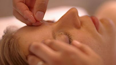 Contre le stress : la relaxation et l'acupuncture