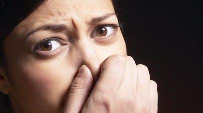 Une odeur désagréable dans le nez? Et si c'était une cacosmie…