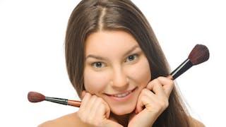Le maquillage correcteur au secours des problèmes de peau