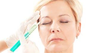 10 questions à poser à son dermatologue après 40 ans