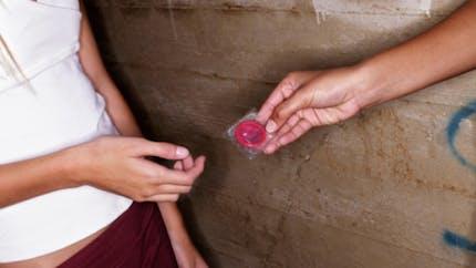 """Contraception: les méthodes """"barrières"""" sont-elles fiables?"""