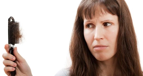 chute de cheveux femme 50 ans