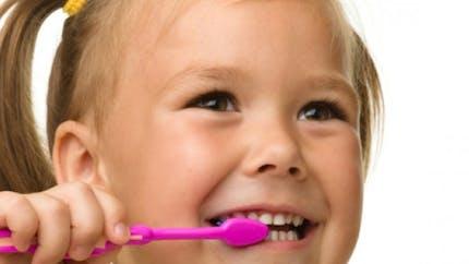 Dents de lait: comment en prendre soin?
