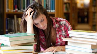 Stress des examens: comment aider mon enfant à se préparer?
