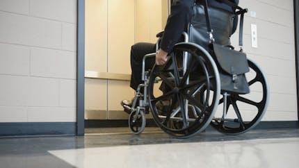 Handicap: l'accessibilité des bâtiments publics ne sera pas respectée pour 2015