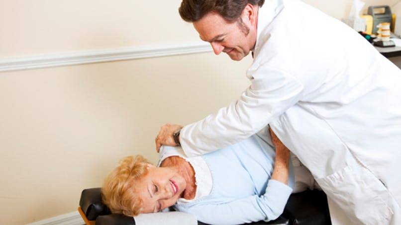 Douleurs chroniques: l'ostéopathie les fait baisser de 50%