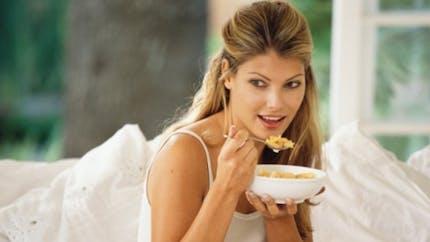 A quoi est dû le besoin constant de manger?