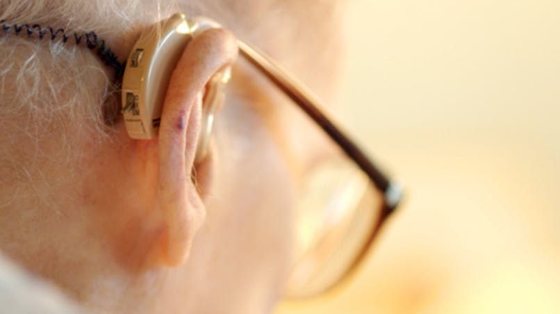 Une perte auditive non traitée augmente le risque de démence chez les personnes âgées