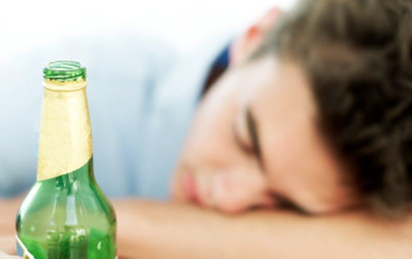 """L'alcool n'est pas un bon """"somnifère"""""""
