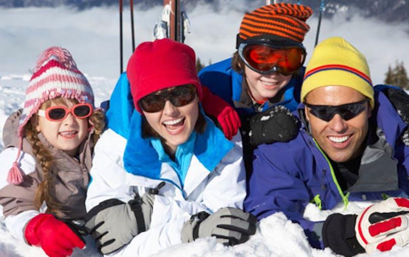 Vacances au ski: pourquoi il faut protéger vos yeux à la montagne