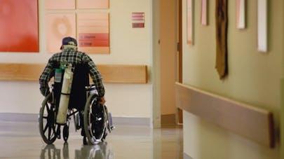 Les maisons de retraite sont-elles des lieux de privation de liberté?
