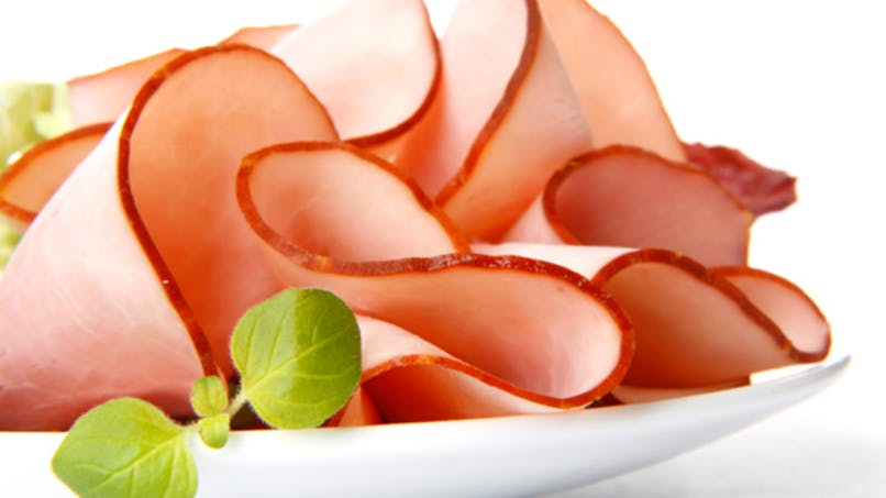 Manger trop de charcuterie augmente le risque de maladies cardiovasculaires