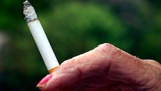 Grand-mère fumeuse, petit enfant asthmatique