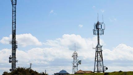 Ondes électromagnétiques: nouveaux soupçons sur les antennes-relais