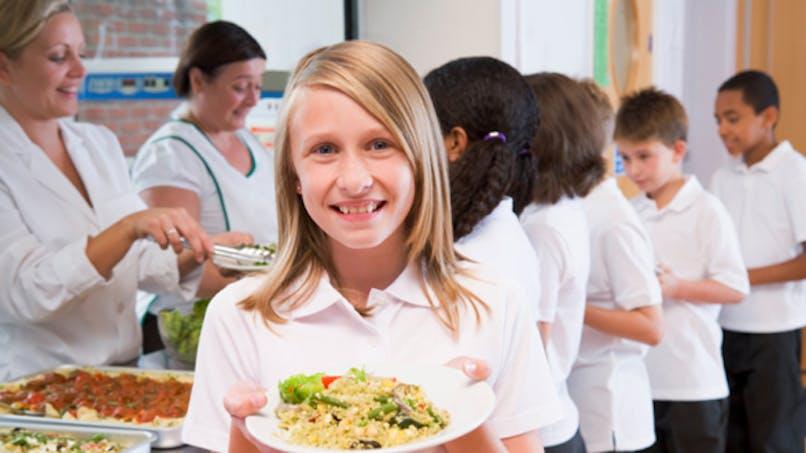 Cantines: le décret sur l'équilibre nutritionnel à l'école doit être maintenu