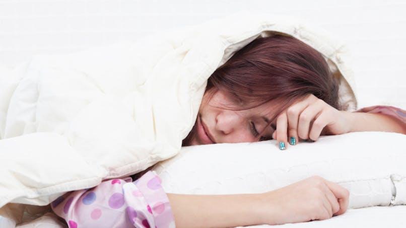 Adolescents: plus ils dorment, mieux ils mangent