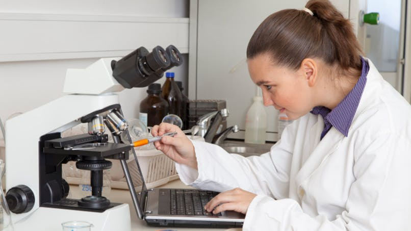 Analyses médicales: trop nombreuses et trop chères