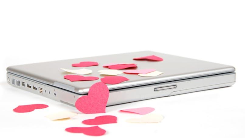S'aimer à distance pour s'aimer plus?