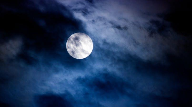 La pleine lune nous empêche de bien dormir