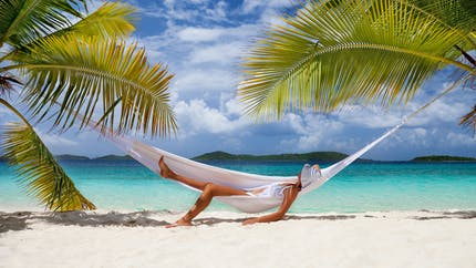 Quelles précautions prendre avant de voyager dans un pays tropical ?