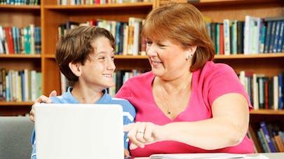 Handicap: les auxiliaires de vie scolaire décrochent un CDI