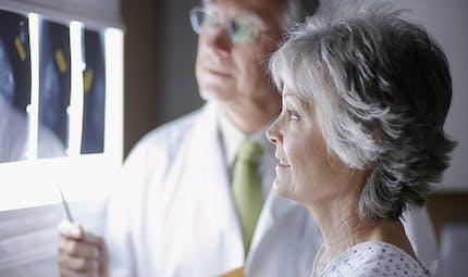 Cancers du sein, des ovaires: des mutations génétiques en accusation