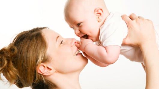 Ménopause précoce: une  jeune femme est devenue maman