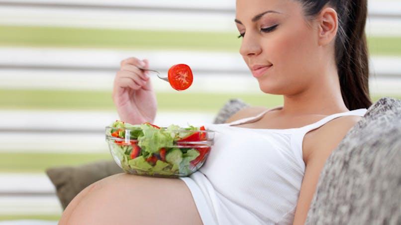 Grossesse: trop de poids augmente le risque d'obésité du bébé