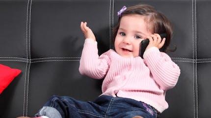 Vers une interdiction des téléphones portables pour les enfants?