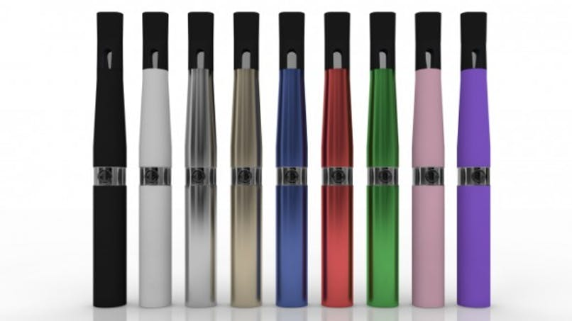 Cigarettes électroniques: bataille juridique autour de la vente en boutique
