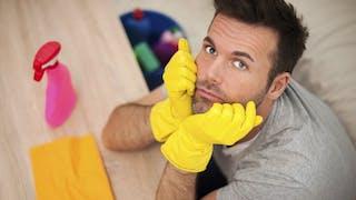 Faire le ménage déprime les hommes