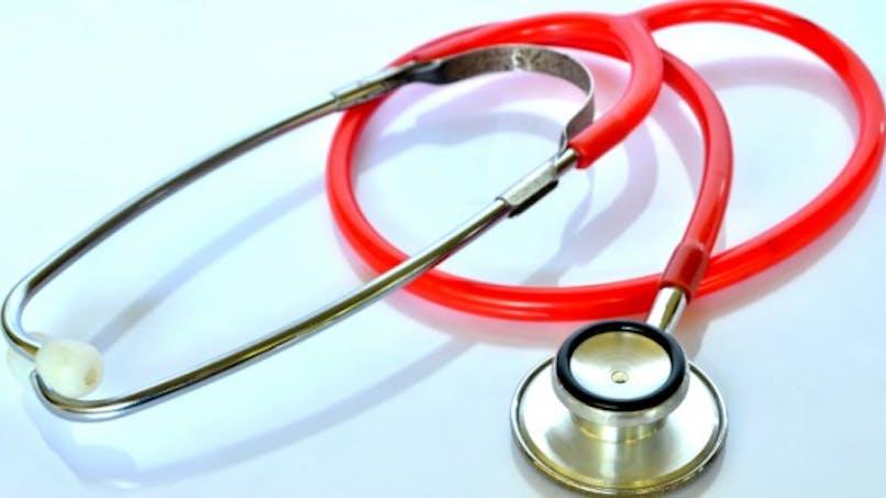 Médecins, nettoyez vos stéthoscopes!