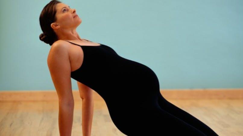 Préparer la venue de bébé avec le yoga prénatal