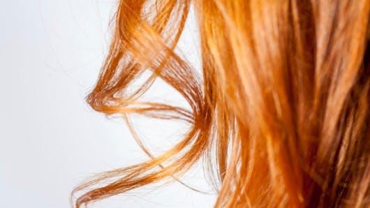 Cheveux gras: les soins beauté efficaces