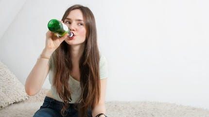 Neknomination et alcool: une association porte plainte