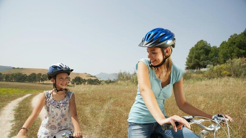 Sport: une mère active donne un enfant dynamique
