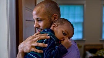 Le baby blues touche aussi les jeunes papas