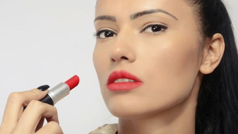 Maquillage: il révèle votre humeur du jour