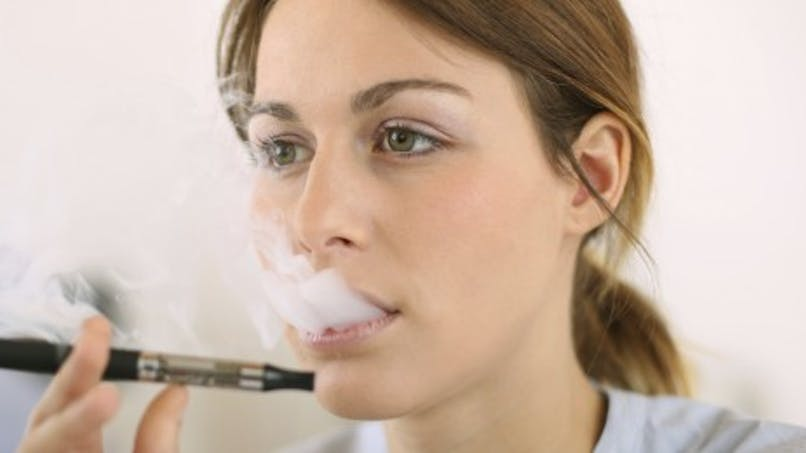 E-cigarette: parents, ne fumez pas en présence de vos enfants