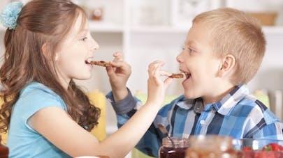 Enfant en surpoids: les bonnes habitudes pour changer