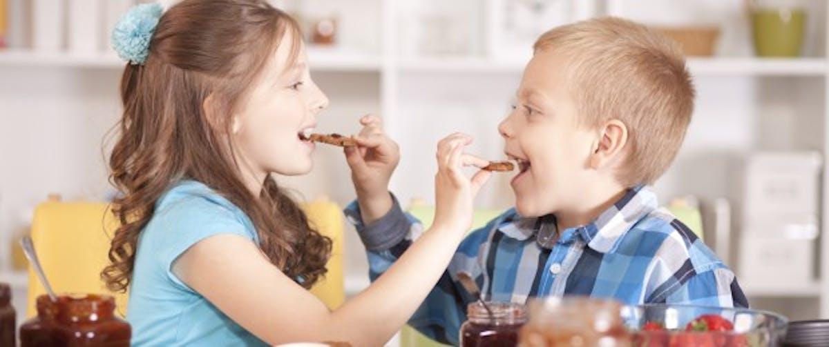 Enfant en surpoids : les bonnes habitudes pour changer ...